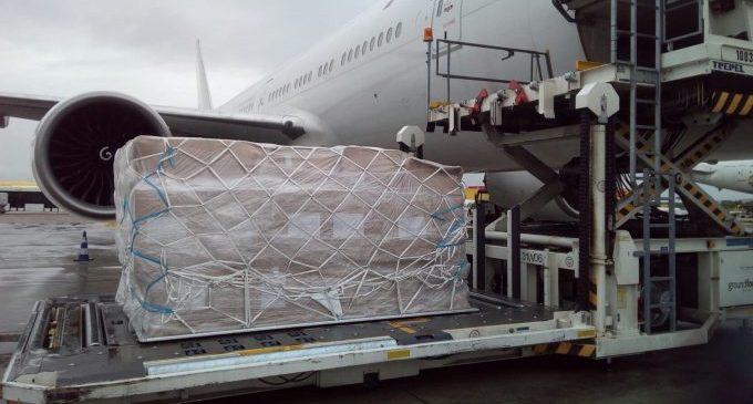 El vol número 22 procedent de la Xina transporta 120.000 mascaretes per a la Comunitat Valenciana