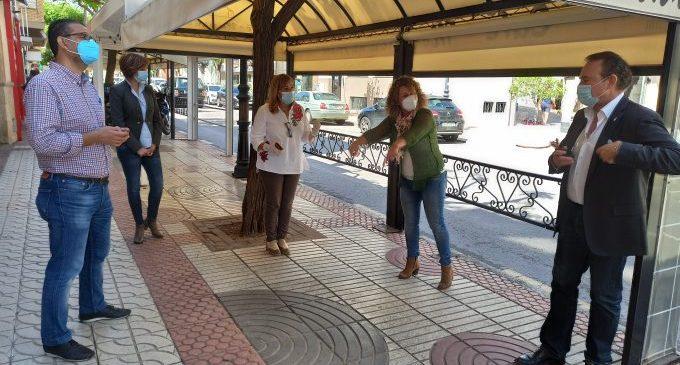 Benicàssim aborda con hosteleros y comerciantes propuestas para su reactivación