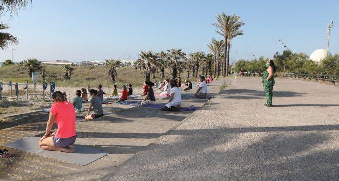 Reobrin el pàrquing d'autocaravanes i les oficines de turisme de les platges de Castelló