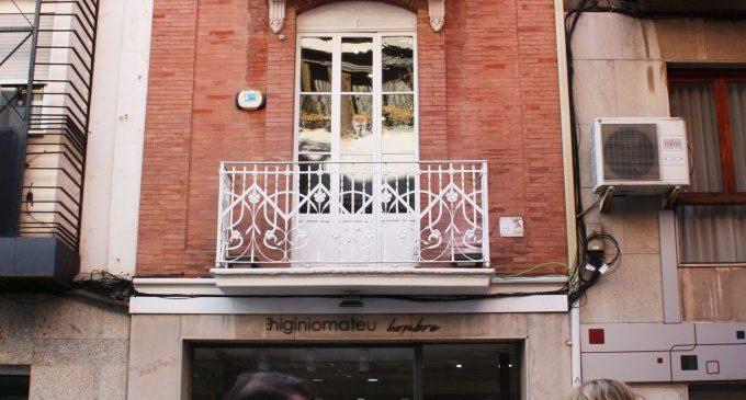 Los balcones de Castelló se llenan de fotografías y forman una exposición especial