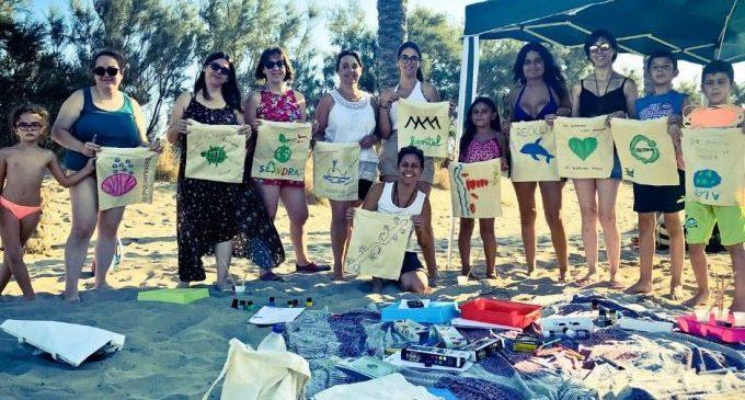 Celebrem amb la Natura organiza este domingo una jornada de limpieza en la playa del Serradal