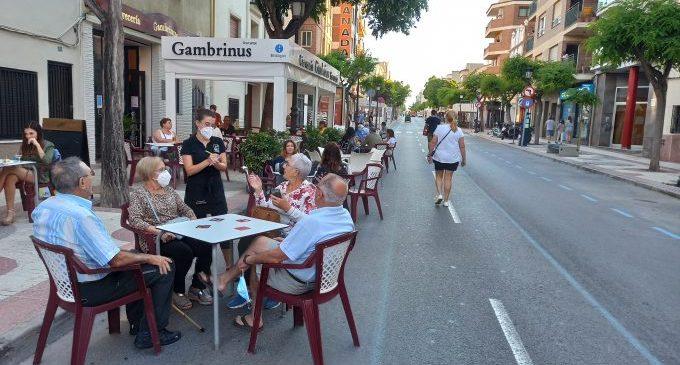 Benicàssim modificarà l'ordenança d'ocupació de via pública per a eximir del pagament a hostaleria i comerços durant el 2021
