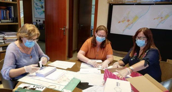 Borriana comença el repartiment en domicilis de més de 6.000 màscares reutilitzables per a persones majors de 65 anys