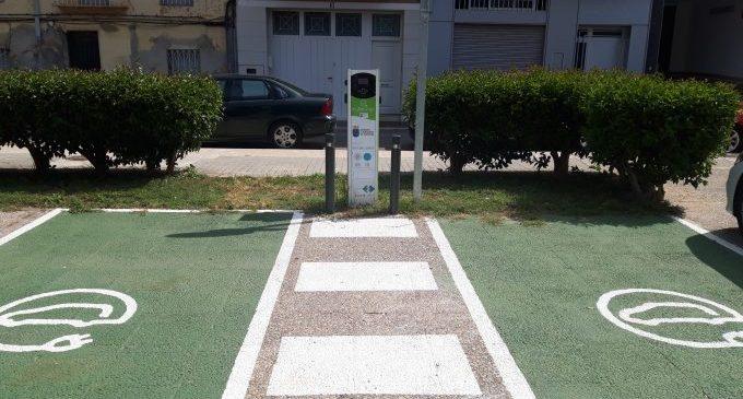 Borriana ya dispone del primer punto de recarga municipal de vehículos eléctricos en vía urbana