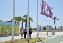 Castelló hissa la bandera Qualitur que reconeix l'excel·lència en els serveis i qualitat de les seues tres platges