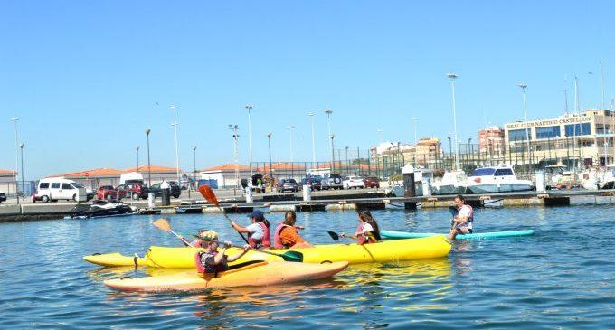 Castelló impulsa nuevos programas de bautismos de mar en el Real Club Náutico