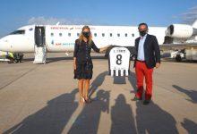 Marco presenta la nova samarreta oficial del CD Castellón i trasllada al club el suport de la ciutat