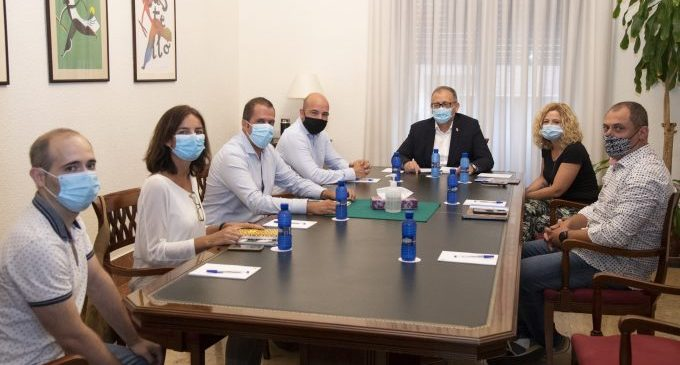 La Diputació i ASHOCAS mostren la seua disposició a col·laborar en projectes que afavorisquen a l'hostaleria provincial