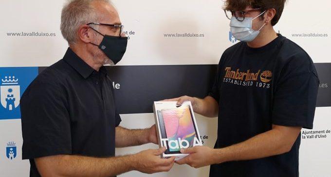 L'Ajuntament de la Vall d'Uixó entrega el premi al guanyador del Concurs de disseny de mascaretes