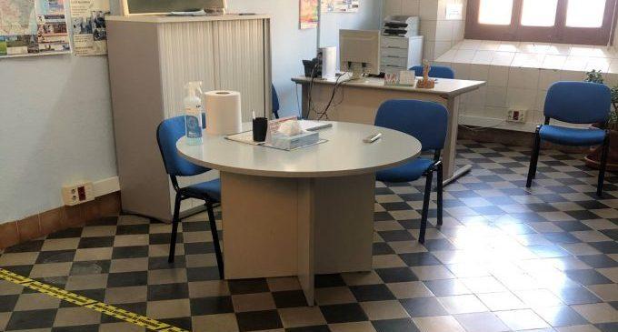 El centre de dia Lluís Alcanyís reprén l'atenció presencial de tallers i teràpies grupals amb mesures de prevenció sanitària
