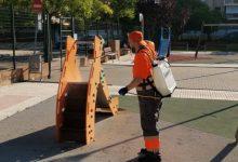 Benicàssim refuerza el servicio de desinfección de las áreas de juegos infantiles