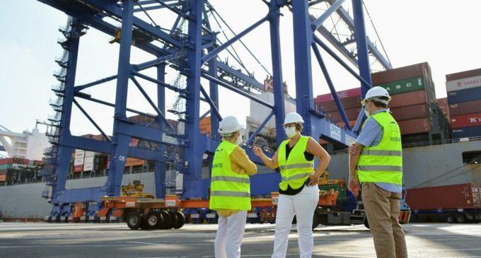 La Generalitat adquireix més de 77 milions de productes sanitaris via marítima carregats en 60 contenidors