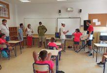 Más de 200 menores disfrutan de la escuela de verano en los colegios de Benicàssim