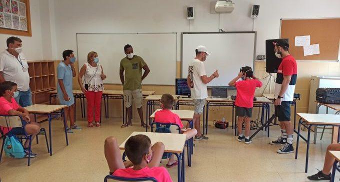 Més de 200 menors gaudeixen de l'escola d'estiu en els col·legis de Benicàssim