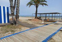 Benicàssim reactiva el dissabte el servei de bany adaptat a la platja Almadrava