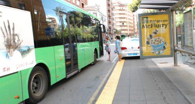 Castelló consolida la seua aposta per l'accessibilitat amb les 17 parades de bus urbà amb plataformes