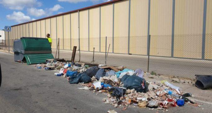 L'Ajuntament de Vinaròs prega civisme als veïns a l'hora de llençar les deixalles