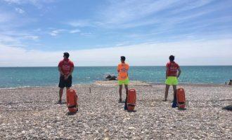 Assisteixen a una dona de 79 anys amb símptomes d'ofegament en una platja de Vinaròs