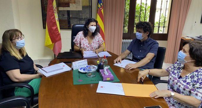 La Diputació i la Generalitat aborden l'inici de curs en Penyeta Roja
