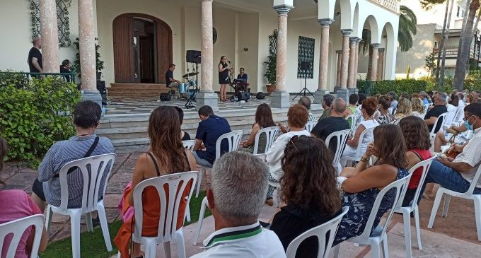 Villa Elisa de Benicàssim se abre durante agosto con una gran programació