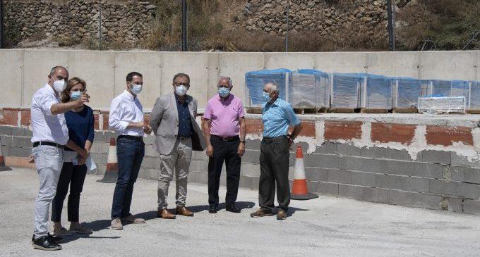 La Diputació inverteix a Villanueva de Viver 39.000 euros en la construcció d'un escenari i en la millora de la seguretat de la carretera de Barracas