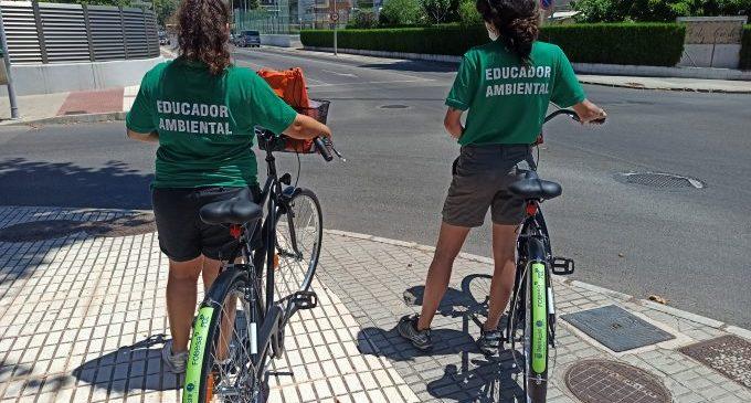 Depositar el fem fora de l'horari establit és la infracció més observada pels educadors ambientals a Benicàssim