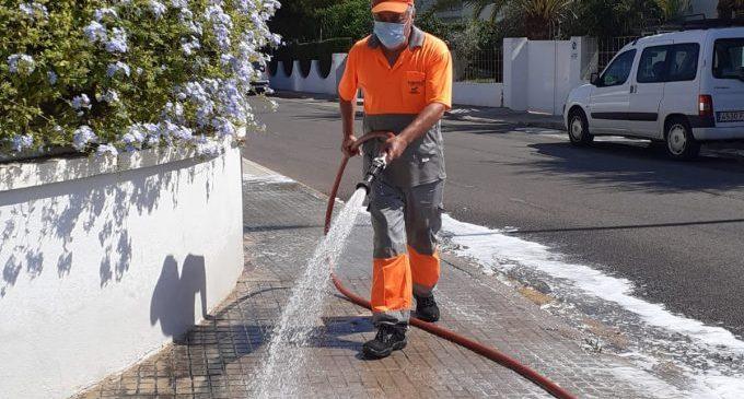 Benicàssim manté el reforç de neteja i desinfecció en zones vulnerables
