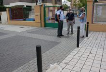 Mezquita supervisa els protocols d'accés als centres i les pautes de neteja