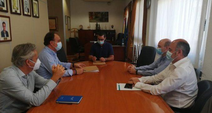 L'Ajuntament de l'Alcora i FACSA inicien un projecte per a buscar restes de coronavirus en les aigües residuals urbanes