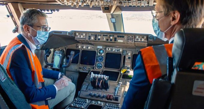 L'aeroport de Castelló rep el segon Boeing 747-400 per al seu desmuntatge i condiciona una nova zona d'estacionament