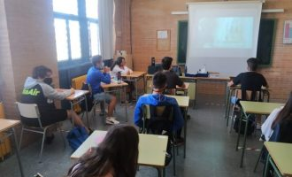 """L'alumnat de l'IES Violant de Casalduch de Benicàssim """"s'apunta al bon rotllo"""""""
