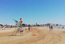 La Diputació i l'AECC s'uneixen per a convertir les platges de la província de Castelló en espais lliures de fum