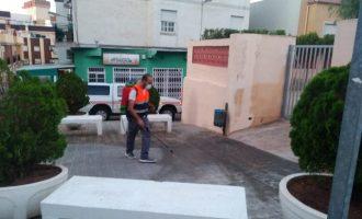Almenara desinfectarà diàriament els accessos als centres educatius