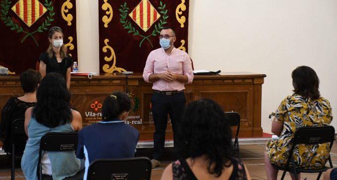 Benlloch es reuneix amb les AMPA de Vila-Real davant l'inici de curs