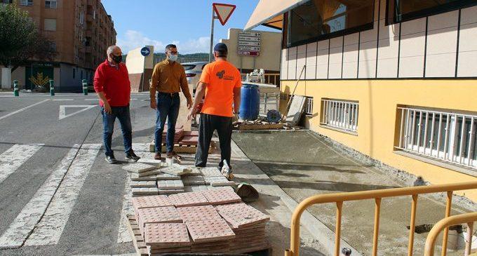 L'Alcora mejora la accesibilidad con la eliminación de barreras arquitectónicas en los pasos de peatones
