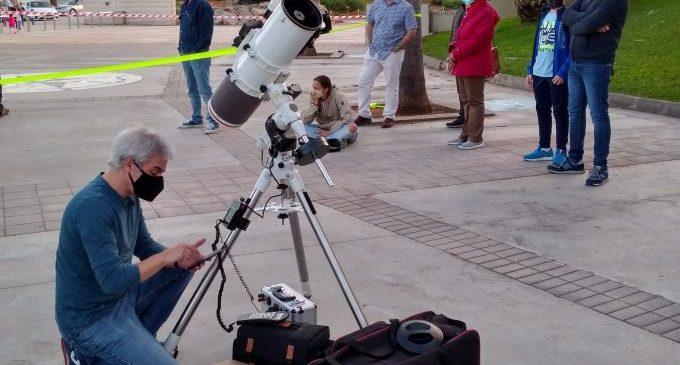 Éxito de convocatoria en el primer curso de profundización en astronomía del Planetari