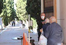 Com es preparen els cementeris a Castelló per al dia de Tots Sants