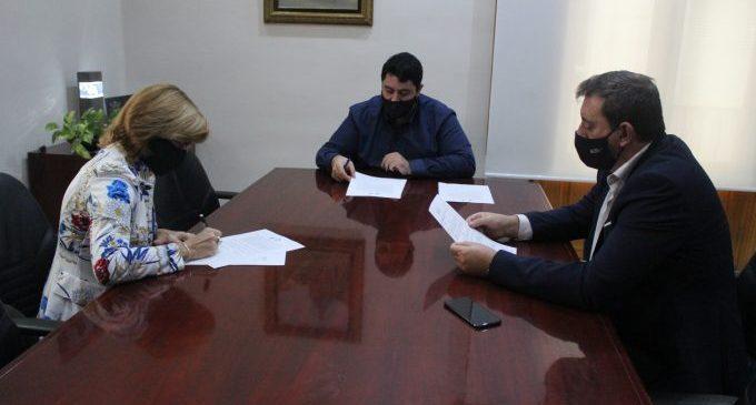 Nules i Caixa Rural signen un conveni de col·laboració per al desenvolupament de la tercera edició del Fòrum d'Empreses