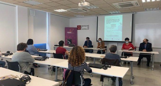 Diputació i Generalitat s'alien per a acabar amb la bretxa digital de gènere a l'interior de Castelló