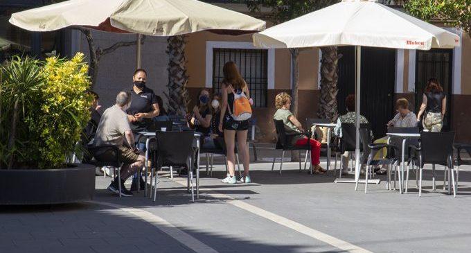 Bars i restaurants de Castelló podran obrir en el seu interior i ampliar les seues terrasses