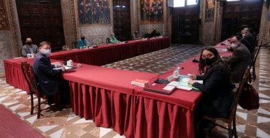 El Consell concede la Alta distinció de la Generalitat a todos los sectores esenciales implicados contra la COVID-19