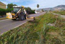 Benicàssim realiza tareas de desbroce en el camino La Ratlla