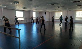 El Centre de les Arts Rafel Martí de Viciana inicia el curso con normalidad en todas sus clases en Borriana