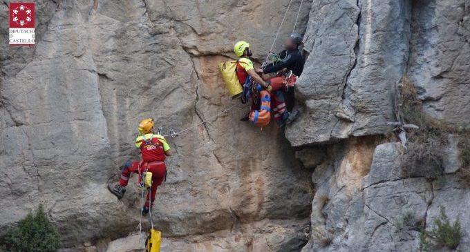 La Unitat de Rescat de Muntanya del Consorci Provincial de Bombers de Castelló rescata a un muntanyenc a la localitat de Montanejos