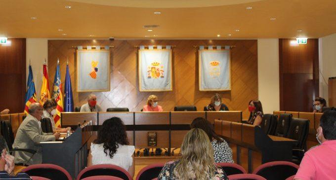 Esther Meneu pren possessió de l'acta de regidora de l'Ajuntament de Borriana en el Ple municipal d'aquesta vesprada