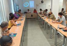 Benicàssim formalitza el primer pagament de les ajudes per al teixit empresarial