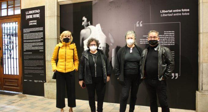 La Façana del Mercat exhibeix la 'Llibertat entre fotos'
