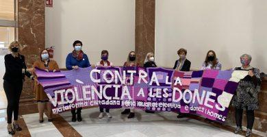 Col·lectius i institucions demanen treballar unides en l'erradicació de la violència masclista aquest 25N