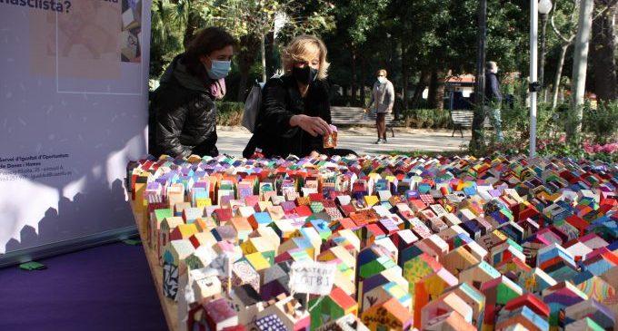 Castelló recorda les víctimes i incideix en la prevenció per a commemorar el Dia Internacional Contra la Violència de Gènere