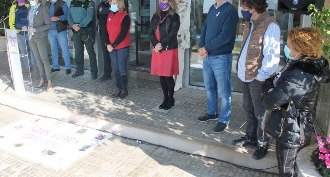 """Benicàssim diu """"No"""" a la violència de gènere"""